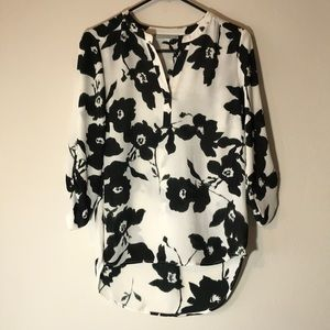 LOW TO HIGH FLORAL VNECK BLOUSE
